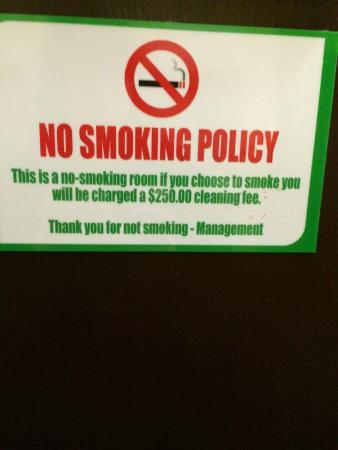 "Holiday Inn Chicago North Shore (Skokie): ""Guests don't observe"""
