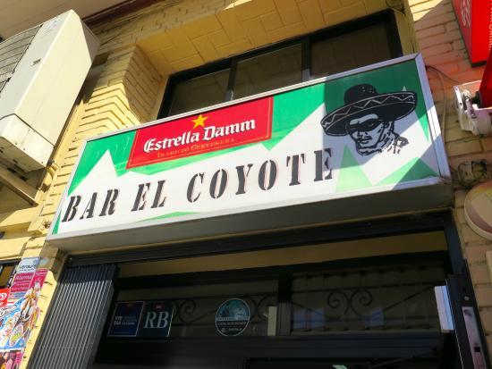 Restaurant Del Clos : Вход в бар