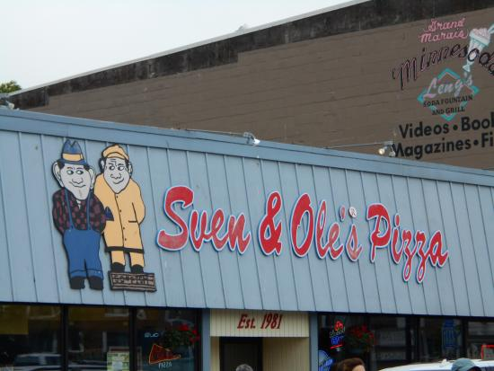Sven and Ole's Pizza: A pic of the sign so you don't miss it!