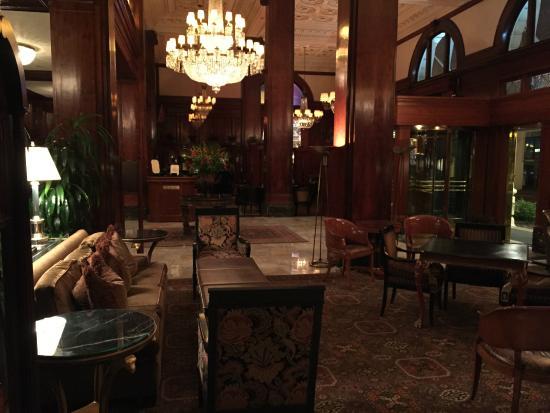 Benson Hotel: lobby
