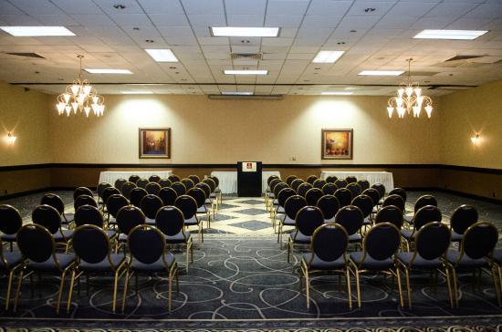 Wyndham Garden Greensboro: Ballroom Meeting