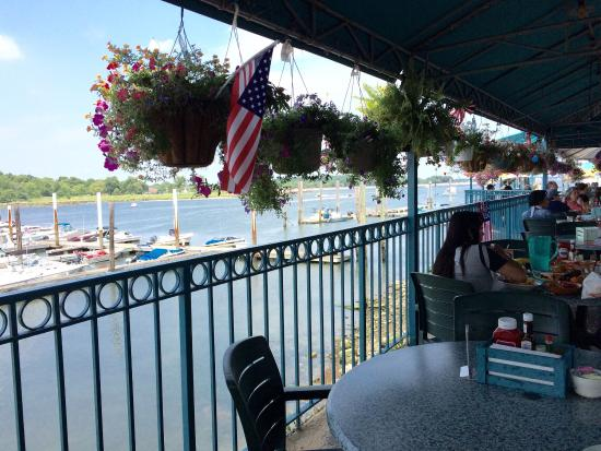 City Island Lobster House Just 12 Miles North Of Manhattan On Pelham Bay A