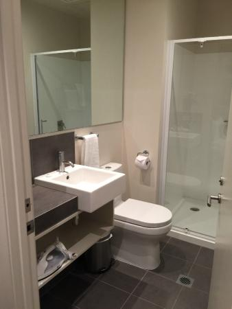 Quest Carlaw Park: Well appointed amenities and large shower