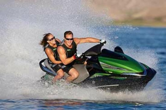 West Kelowna, แคนาดา: Jet ski rentals up and down the valley.