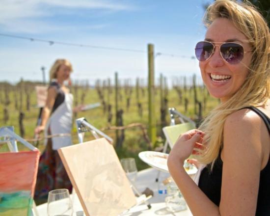 West Kelowna, แคนาดา: Art in the vineyward!  Exclusively in the Okanagan.