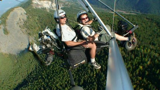 West Kelowna, แคนาดา: Trike and ultralight flights available.