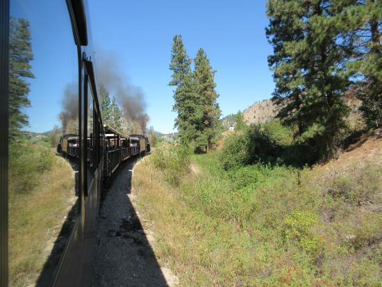 West Kelowna, Kanada: KVR Steam rail trip included with winery tour.