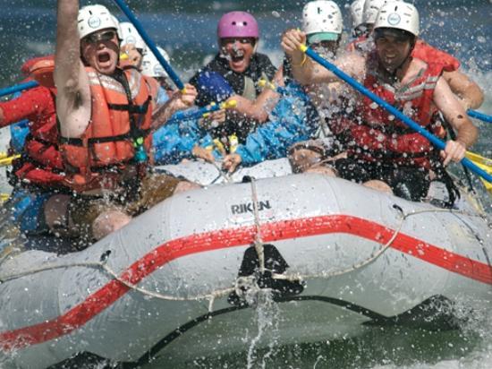 West Kelowna, Canada: Lots of white water rafting!