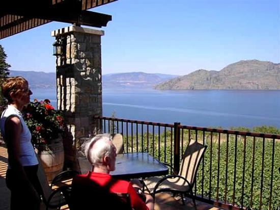 West Kelowna, Canadá: Book your cycle winery tour.