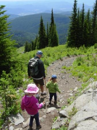 West Kelowna, Canada: Mountain top hiking.