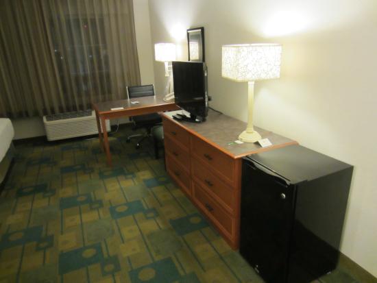 La Quinta Inn & Suites Salt Lake City Airport: Room