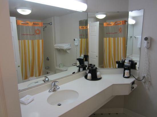 La Quinta Inn & Suites Salt Lake City Airport: Bathroom