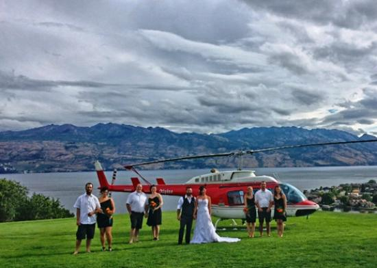 West Kelowna, Canadá: Heli charters for weddings, proposals or whatever you want.