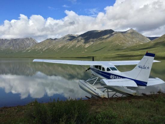 Alaska Bush Float Plane Service: Glacier Lake Landing
