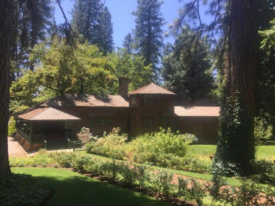 Grass Valley, CA: Bourne Cottage