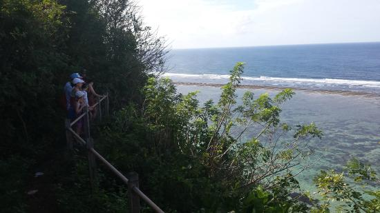 Villa Bidadari Nusa Dua: Beginning the walk down the Cliff