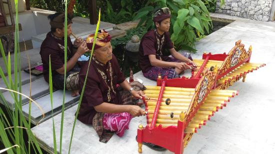 Villa Bidadari Nusa Dua: Gamelan welcome