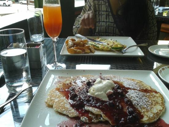 Wayne, PA: The pancakes, the frittata, and the bellini
