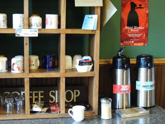 Fenway House Hotel: Coffee Nook Cafe - Help Yourself