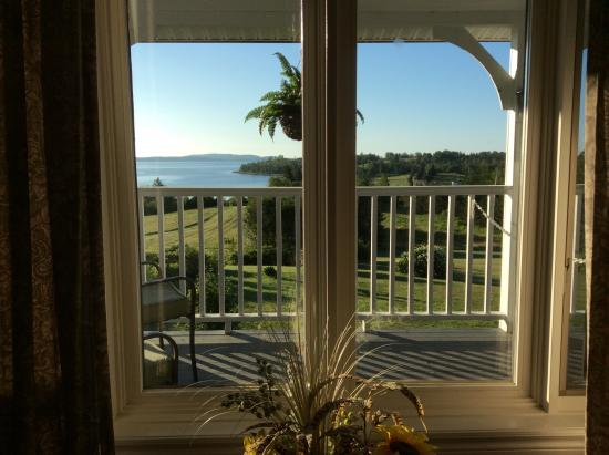 Gray Gables Bed and Breakfast: A beautiful view from our bedroom