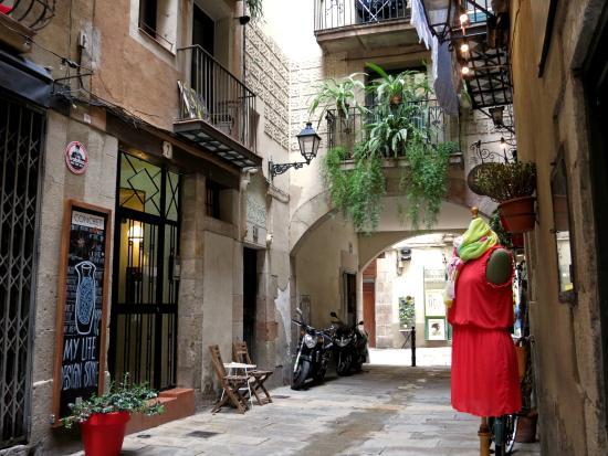 Inside Barcelona Apartments Esparteria: Entorno Muy Agradable