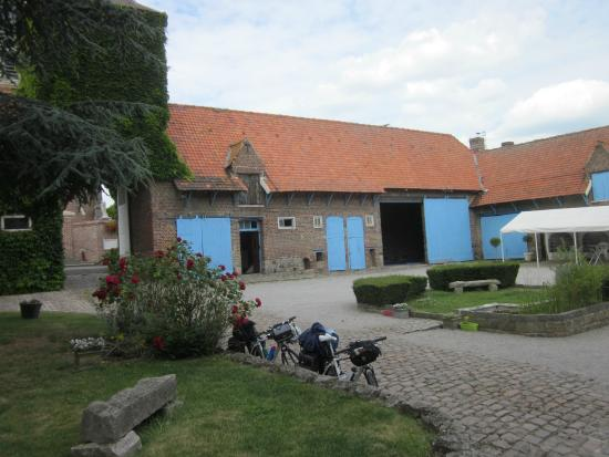 Gouy-sous-Bellonne, France: Our bikes parked in the main courtyard
