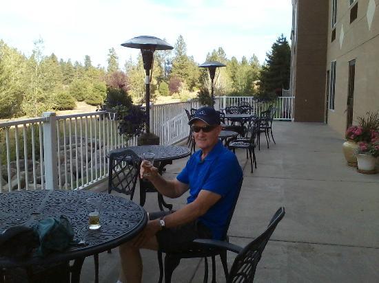 Oxford Suites Spokane Valley: Patio