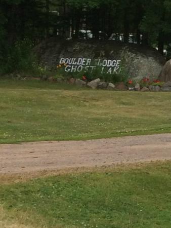 Boulder Lodge on Ghost Lake: Entrance