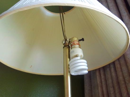 ‪‪Howard Johnson Inn Beaufort / Parris Island‬: Lamp‬