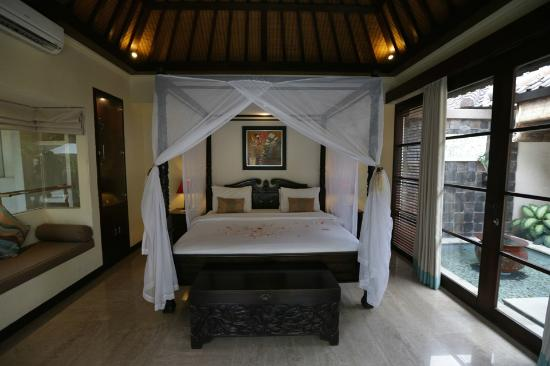 Ordinaire The Bedroom With A Water Feature To The Right   Picture Of The Bli Bli  Villas U0026 Spa, Seminyak   TripAdvisor