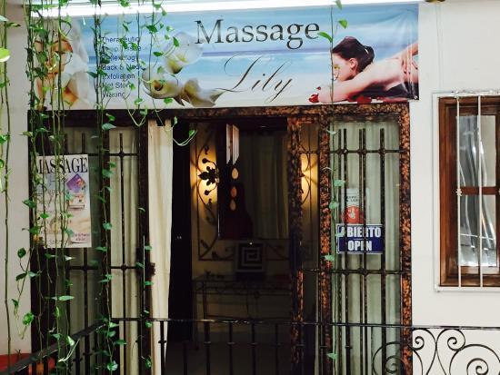 Massage Lily