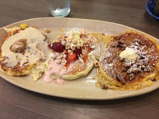 Snooze: Pancake flight was a delight! For those with a sweet tooth.