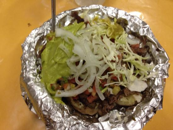 Taqueria EL Paisa: Got told by a local about this place. Great food, loved the Papas Mixtas, the tacos where amazin
