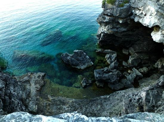 Tobermory, Kanada: Colours of Lake Huron are ethereal near the Grotto