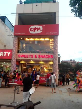 Om Sweets & Snacks