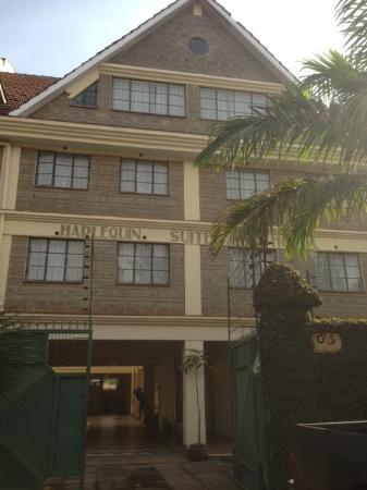 Harlequin Suites Hotel