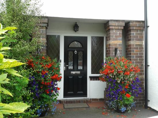 No75 Bed & Breakfast: A welcoming entrance