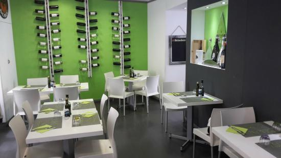 Nikale Cafe