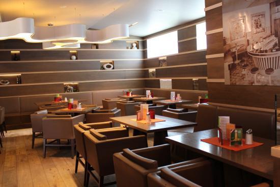 Cafe Bar Egger's