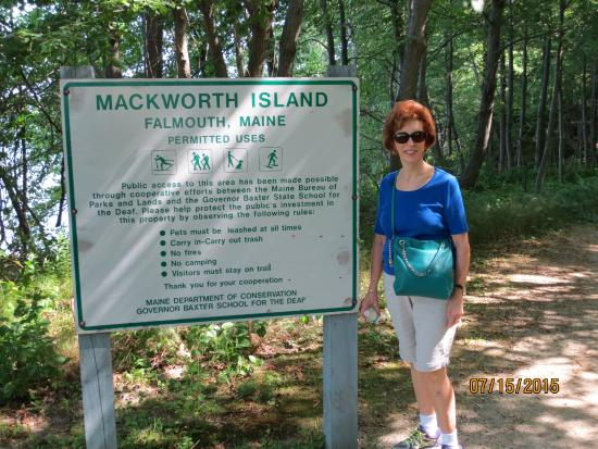 Mackworth Island: Entrance to trail