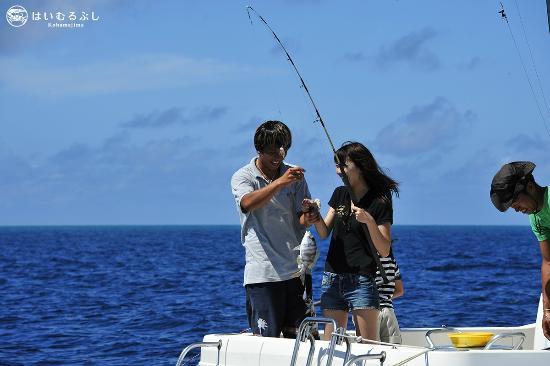 はいむるぶし, 初心者の方も楽しめる船釣り体験フィッシング。釣った魚は夕食時に召し上がれます。