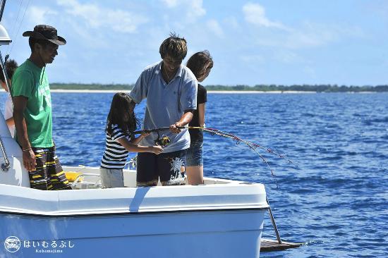はいむるぶし, 初心者の方でも安心して参加いただける船釣り体験コース。釣った魚は夕食時にお召し上がりいただけます。