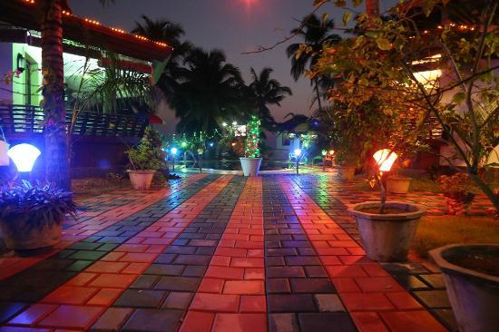 Samsara Harmony Beach Resort: Hotel Area
