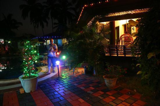 Samsara Harmony Beach Resort: Pool Area At Night
