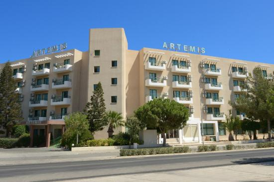 Artemis Hotel Apartments