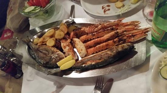 Istarska Konoba Buici: Grigliata di pesce per 2 persone