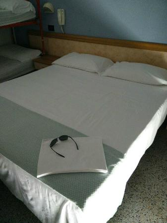 Jammin' Backpackers Hotel Rimini: Letto matrimoniale
