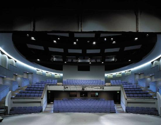Runcorn, UK: Auditorium