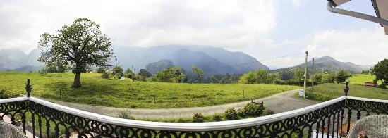 Hotel Mirador Del Sella: VISTAS A LOS PICOS DE EUROPA