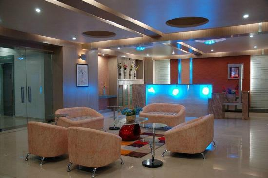 Hotel Paradise & OYO Rooms